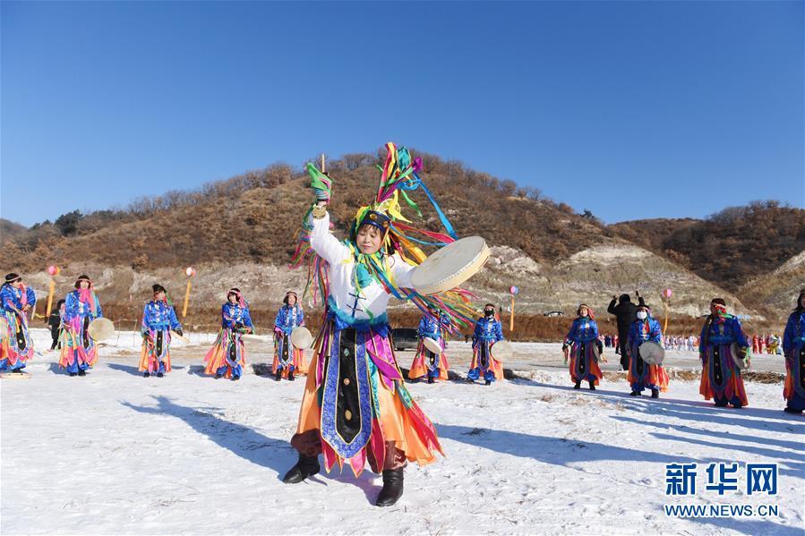 (新华视界)(4)吉林四平:玩冰嬉雪 品民俗迎新年