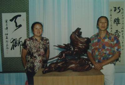 著名浪木根雕艺术家吴德义