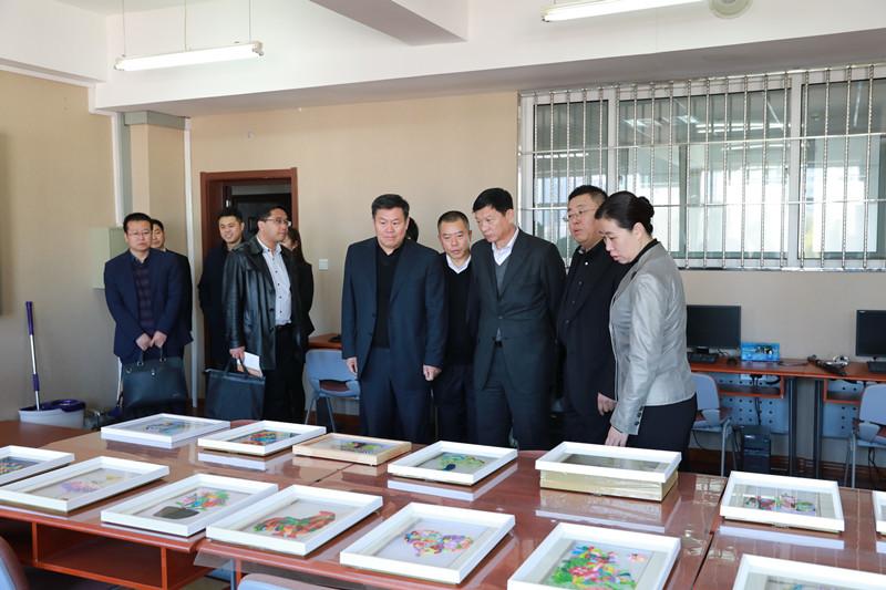 吉林省教育廳黨組書記李曉傑到長春外國語學校調研