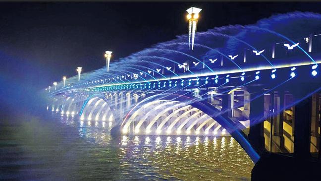 长春南湖大桥七彩音乐喷泉