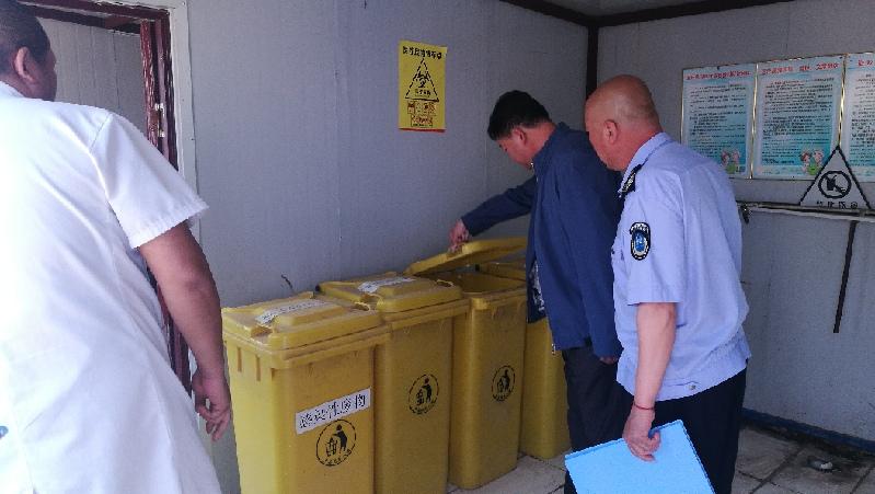 农安县伏龙泉镇中心卫生院对辖区内医疗机构进行安全巡查