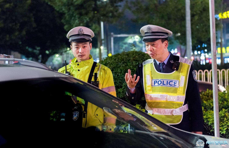 长春市交警部门集中开展整治酒驾专项行动