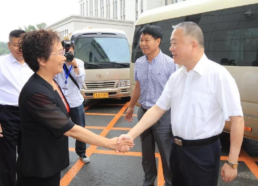 國家禁毒委副主任劉躍進一行到吉林省女所調研戒毒工作