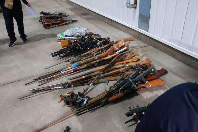 吉林省集中銷毀非法槍爆物品 銷毀非法槍支2501支、管制刀具1511把