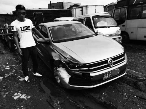 男子開共享汽車溜號 撞了 駕照還沒過實習期 逃了
