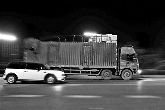 吉林省交警部門嚴厲查處大貨車超載超速嚴重交通違法行為