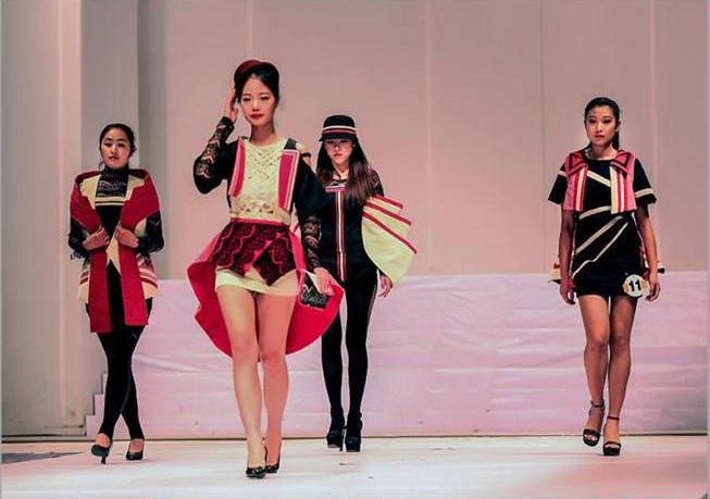 時尚校園丨吉林省女攝影家流年碎影70年(48)