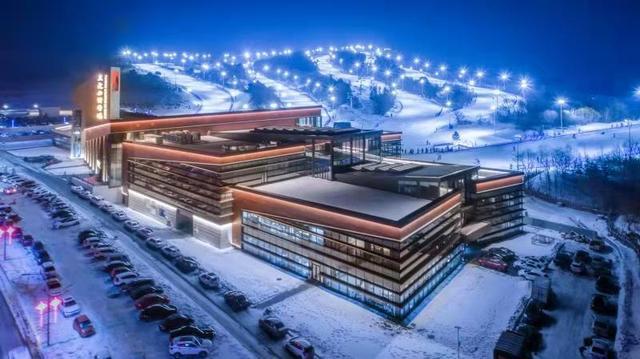 11月28日,天定山滑雪场开板!