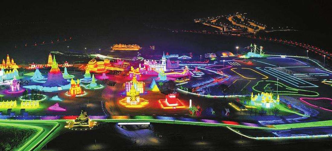 美哉莲花山:漂亮的灯光世界